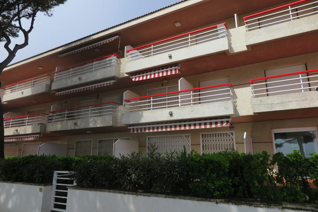 Apartaments tancats Setmana Santa Coronavirus Passeig marítim Pandèmia